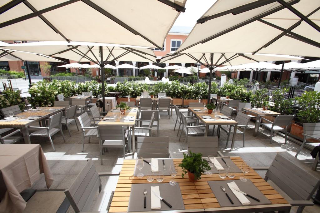 plaza moraleja restaurantes