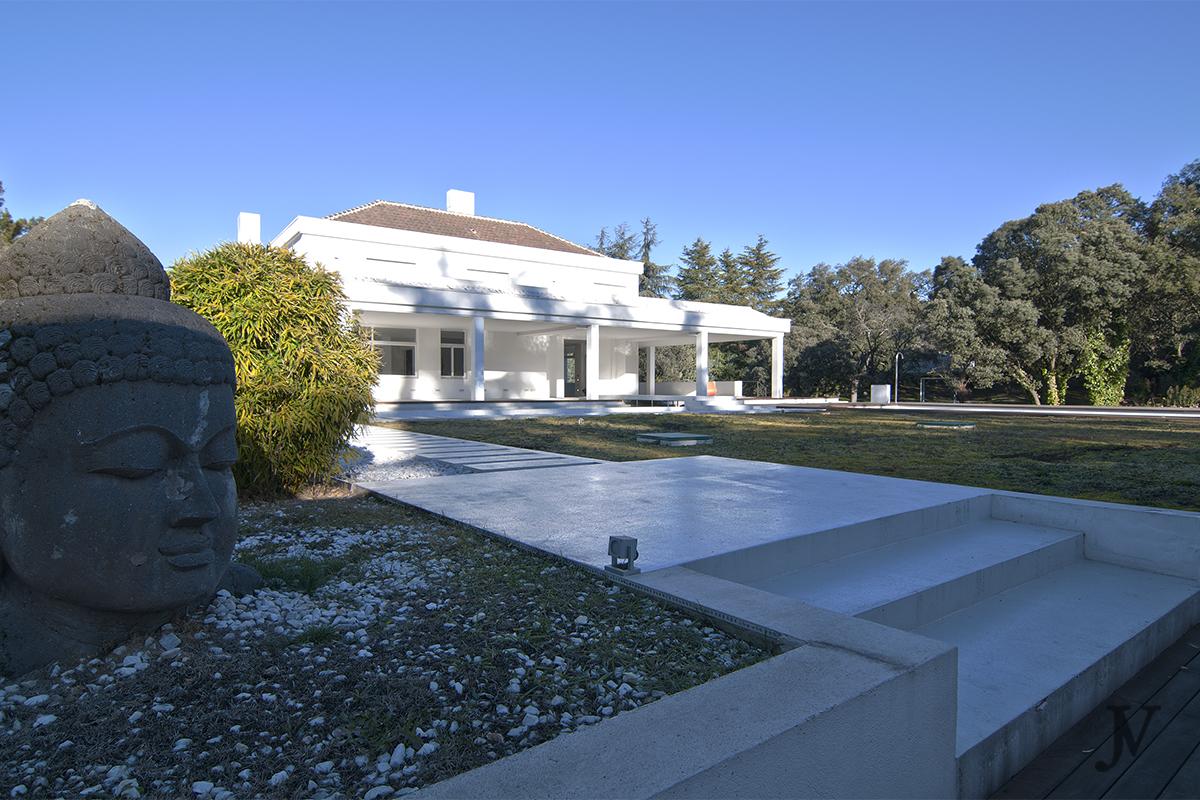 Detached House For Sale in La Moraleja
