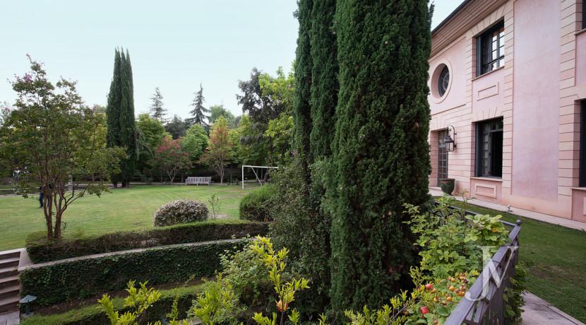 Casa de estilo Toscana en parcela de 10.000m2 21