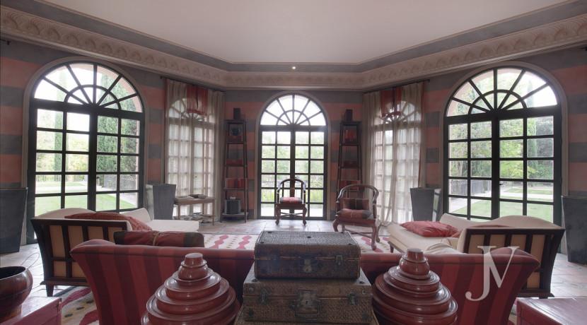 Casa de estilo Toscana en parcela de 10.000m2 37
