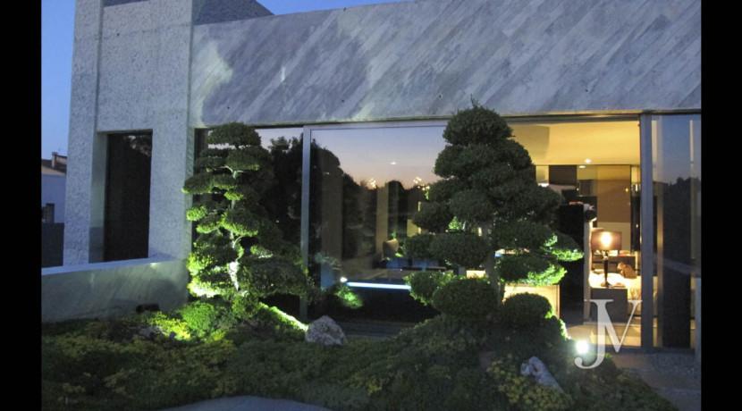 Chalet construido por un prestigioso arquitecto en Valdemarin 16