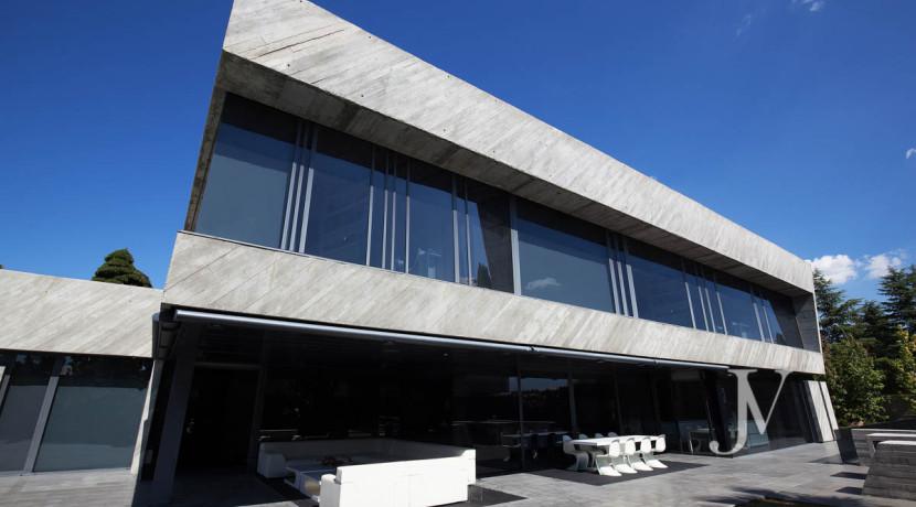 Chalet construido por un prestigioso arquitecto en Valdemarin 36