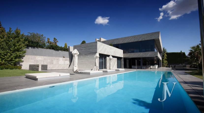 Chalet construido por un prestigioso arquitecto en Valdemarin 39
