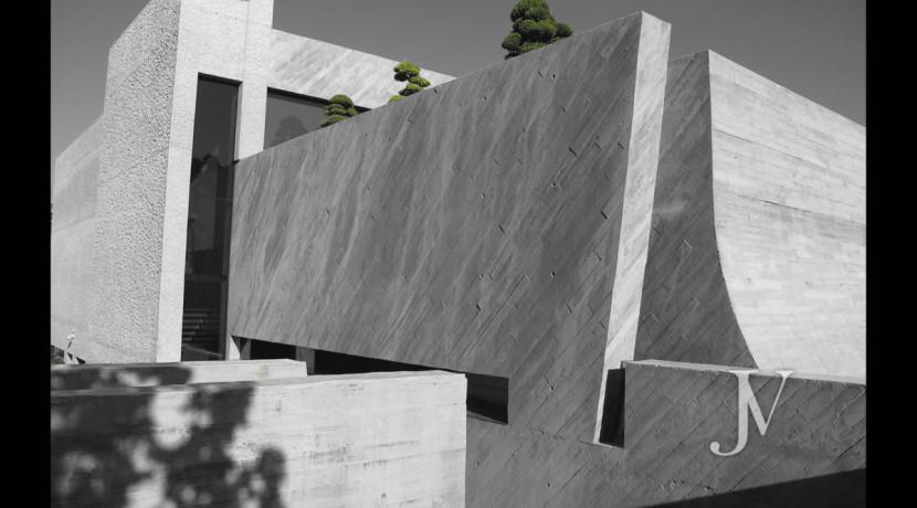 Chalet construido por un prestigioso arquitecto en Valdemarin 9