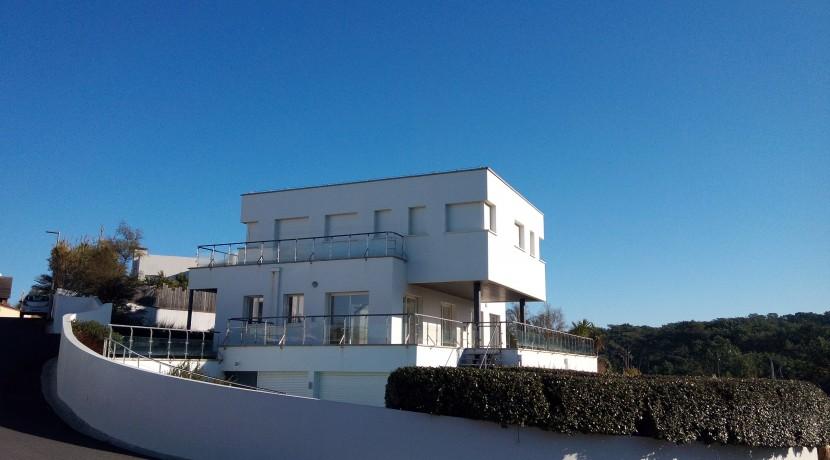 Chalet en Venta en Biarritz con vistas al mar 3