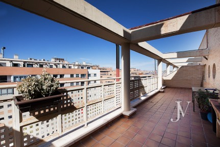 Penthouse apartment, 2 bedrooms, in Montecarmelo