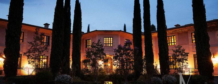 Casa-de-estilo-Toscana-en-parcela-de-10.000m2-2-830x460