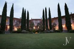 Casa-de-estilo-Toscana-en-parcela-de-10.000m2-1-830x460
