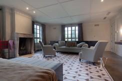 Casa-de-estilo-Toscana-en-parcela-de-10.000m2-13