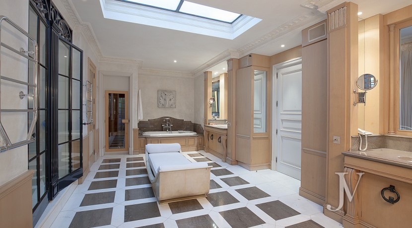 Casa-de-estilo-Toscana-en-parcela-de-10.000m2-14