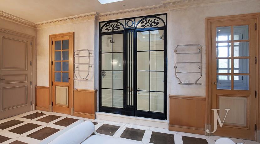 Casa-de-estilo-Toscana-en-parcela-de-10.000m2-16
