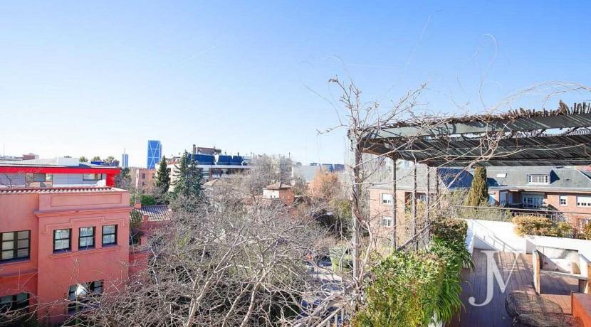 Ático con terraza en la zona de Pío XII, edificio con jardín y piscina18