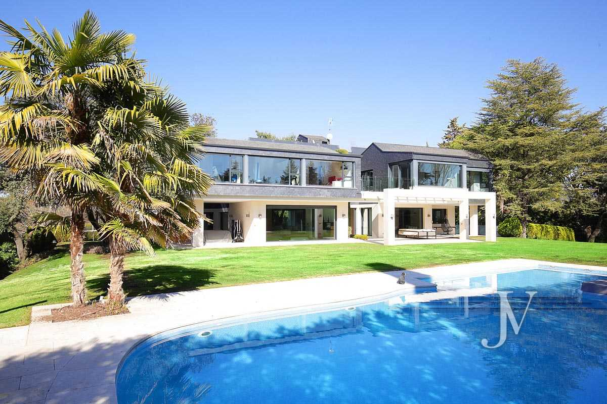 House for rent in La Moraleja, luxury qualities