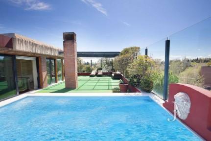 Ático con piscina privada en El Soto de La Moraleja
