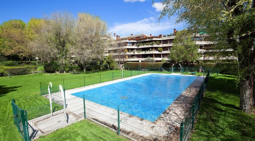 Ático con piscina privada en El Soto de La Moraleja 32