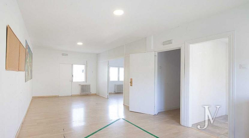 Chalet en El Viso, 503m2, calle principal, Vivienda ó Centro Educativo, amplio sótano 24