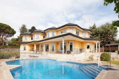 La Moraleja Classic Style home built in 2001, with Spa