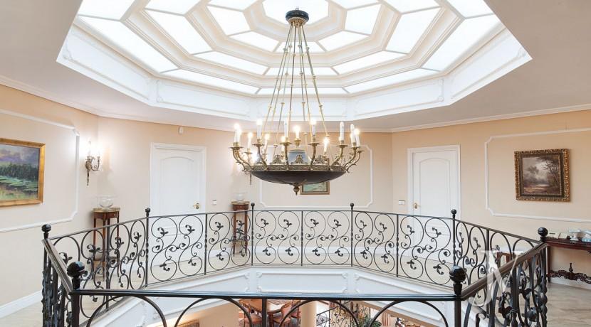La Moraleja Vivienda de estilo clásico construida en el 2001, con Spa 17