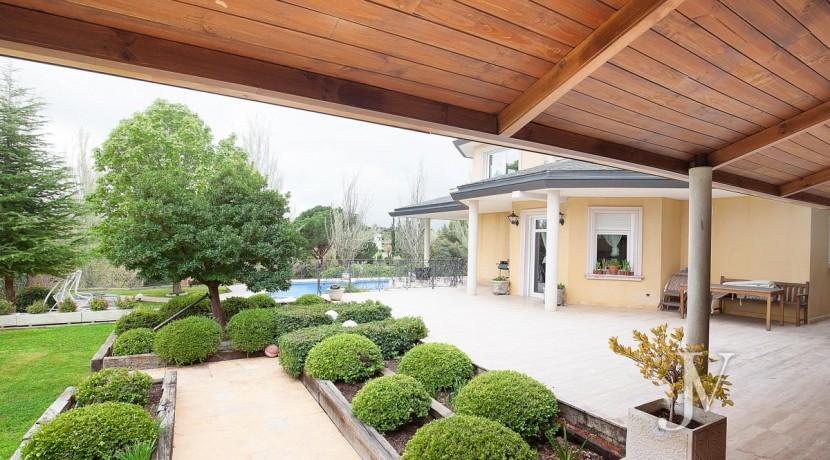 La Moraleja Vivienda de estilo clásico construida en el 2001, con Spa 3