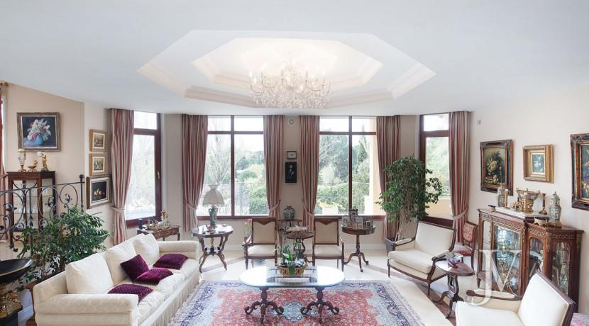 La Moraleja Vivienda de estilo clásico construida en el 2001, con Spa 7