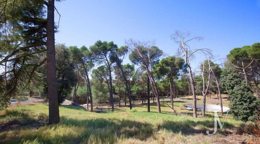 La Moraleja- terreno con vistas, de 46.309m2 para 1 o 4 unifamiliares, en la mejor zona de La Moraleja 18