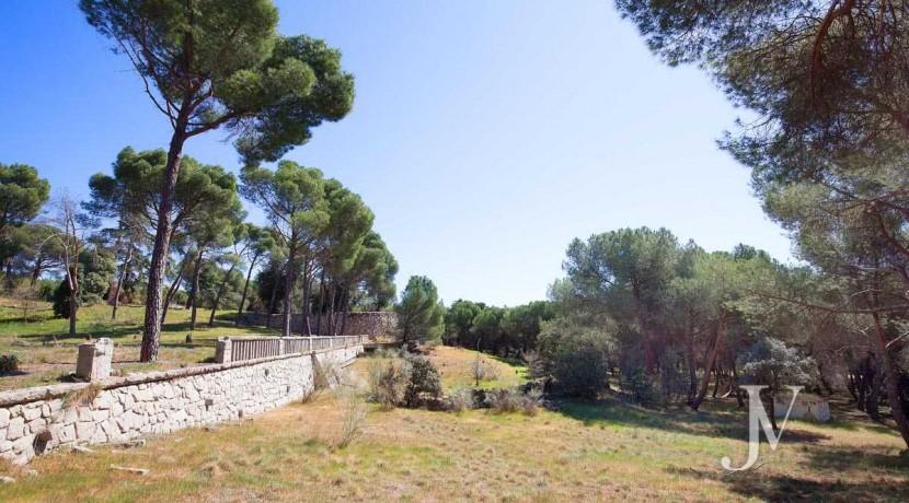 La Moraleja- terreno con vistas, de 46.309m2 para 1 o 4 unifamiliares, en la mejor zona de La Moraleja 21