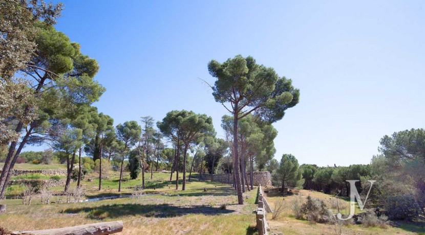 La Moraleja- terreno con vistas, de 46.309m2 para 1 o 4 unifamiliares, en la mejor zona de La Moraleja 9
