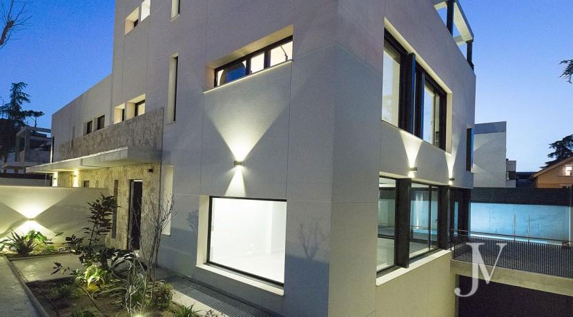 Puerta de Hierro- Obra Nueva, pareado, salón con techos de doble altura 32