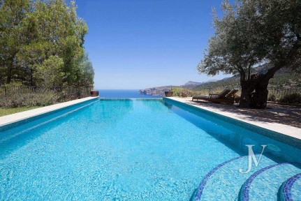 Mallorca – Deiá (Islas Baleares): Seaside views. Villa of 7 bedrooms with 30.000m2 plot