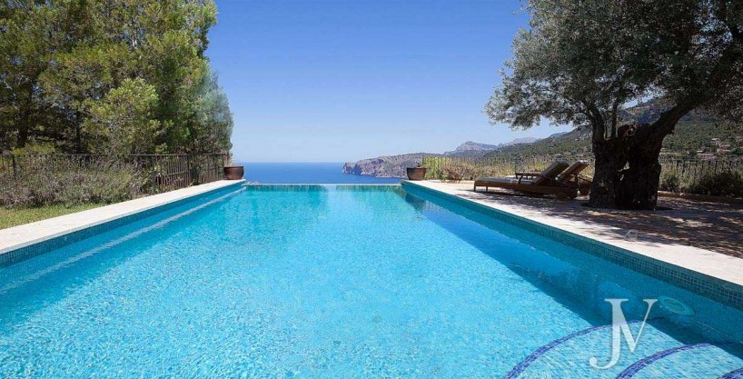 Mallorca – Deiá (Islas Baleares): Seaside views. Villa of 7 bedrooms with 30.000m2 plot