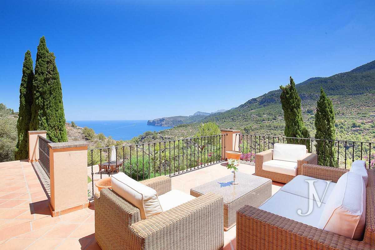 Mallorca – Deiá (Islas Baleares): Vistas al Mar. Villa de 7 dormitorios con 30.000m2 de parcela.