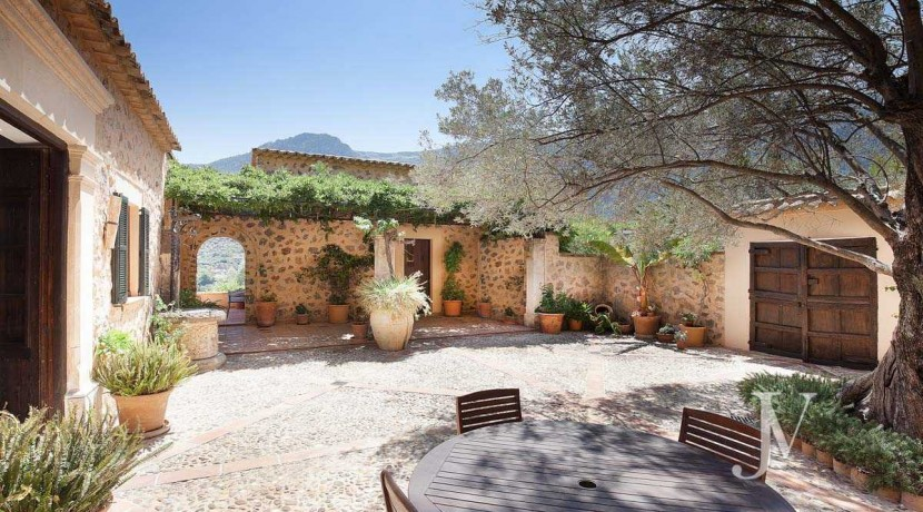 Mallorca - Deiá (Islas Baleares)- Vistas al Mar. Villa de 7 dormitorios con 30.000m2 de parcela 26