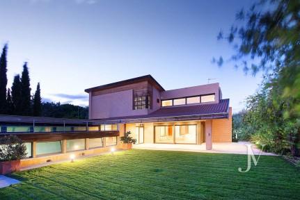 Campodón (Villaviciosa de Odón), 4 dormitorios + servicio, piscina interior, sauna, jacuzzi.