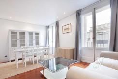 Alquiler en el mejor tramo de la calle Serrano. Bº Salamanca, 2 dormitorios con 2 baños. 1