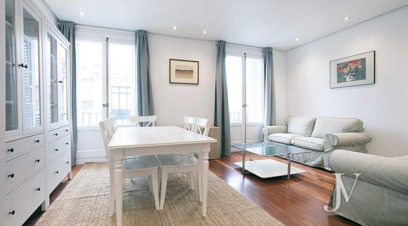 Alquiler en el mejor tramo de la calle Serrano. Bº Salamanca, 2 dormitorios con 2 baños. 8