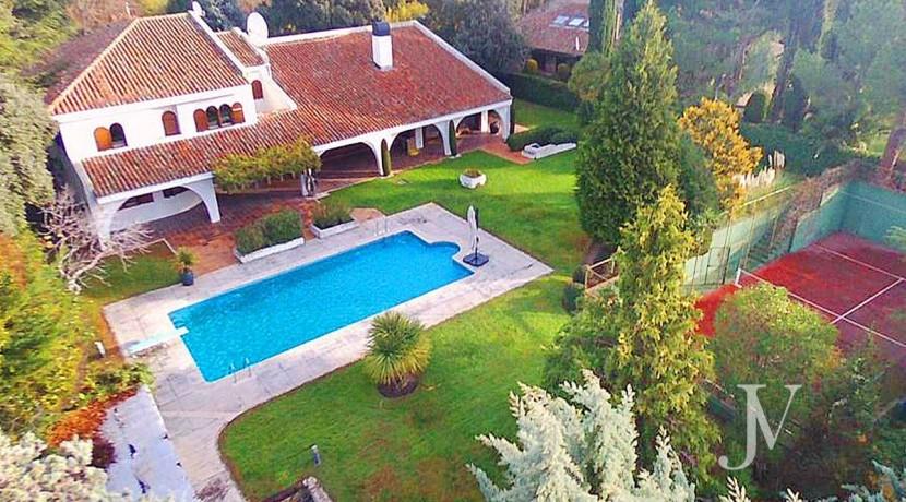La Moraleja, 2.615m2 de parcela con vistas (una de las mejores de la urbanización), con vivienda, squash y paddle17