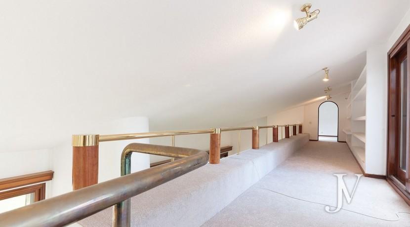 La Moraleja, 2.615m2 de parcela con vistas (una de las mejores de la urbanización), con vivienda, squash y paddle22