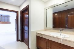La Moraleja, 2.615m2 de parcela con vistas (una de las mejores de la urbanización), con vivienda, squash y paddle23