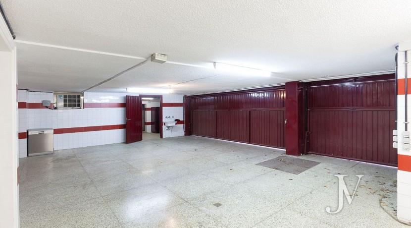 La Moraleja, 2.615m2 de parcela con vistas (una de las mejores de la urbanización), con vivienda, squash y paddle26