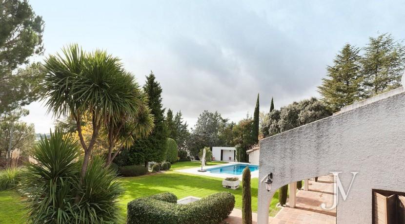 La Moraleja, 2.615m2 de parcela con vistas (una de las mejores de la urbanización), con vivienda, squash y paddle5