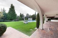 La Moraleja, 2.615m2 de parcela con vistas (una de las mejores de la urbanización), con vivienda, squash y paddle9