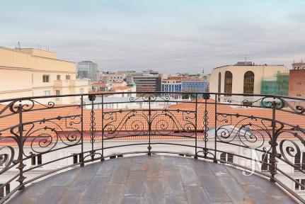 Ático duplex en la calle Fortuny (zona Almagro) 4 dormitorios + 3 baños + garaje