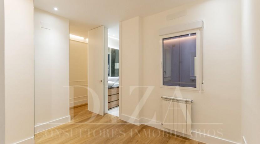 Barrio de Salamanca, 2 dormitorios con 2 baños a estrenar12