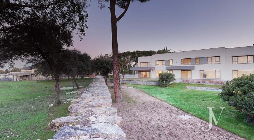 Casa Quemada, chalet moderno lindando con El Pardo, en parcela de 3.000m2 16