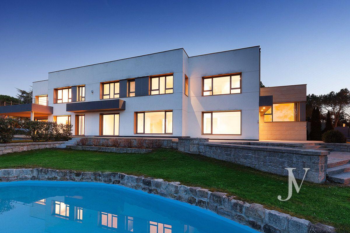 La Florida / Casa Quemada, modern villa bordering on El Pardo, on a plot of 3.000m2