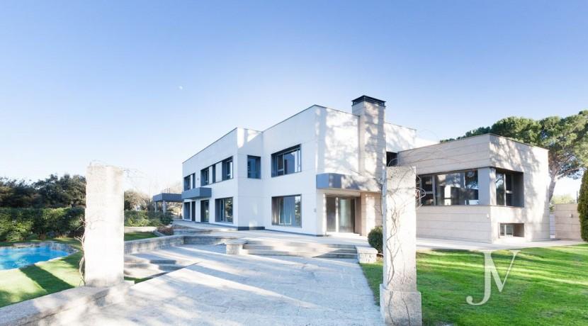 Casa Quemada, chalet moderno lindando con El Pardo, en parcela de 3.000m2 40