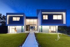 Vivienda construida en el 2019, en parcela con magnificas VISTAS, piscina tipo infinity pool1