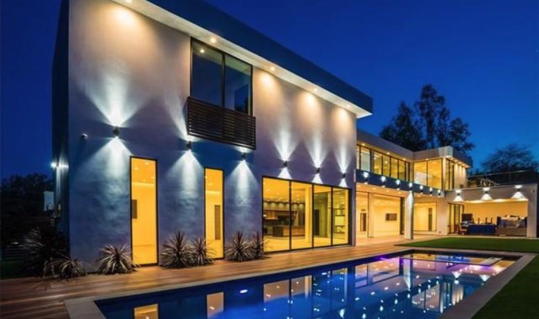 Vivienda construida en el 2019, en parcela con magnificas VISTAS, piscina tipo infinity pool1.1