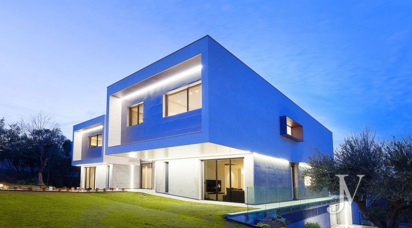 Vivienda construida en el 2019, en parcela con magnificas VISTAS, piscina tipo infinity pool2