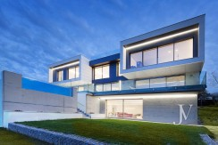 Vivienda construida en el 2019, en parcela con magnificas VISTAS, piscina tipo infinity pool4